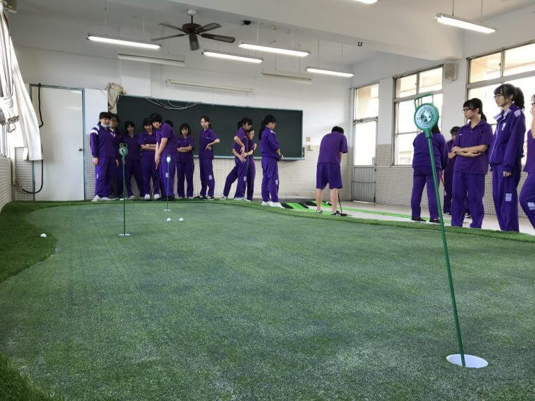 室內高爾夫球練習場