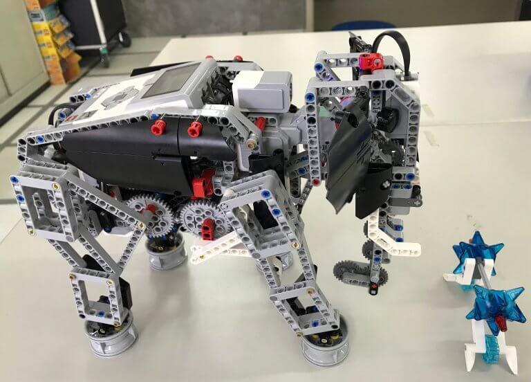 01可行走、捲物品的機械大象
