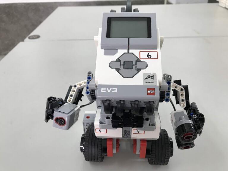 01自動平衡機器人