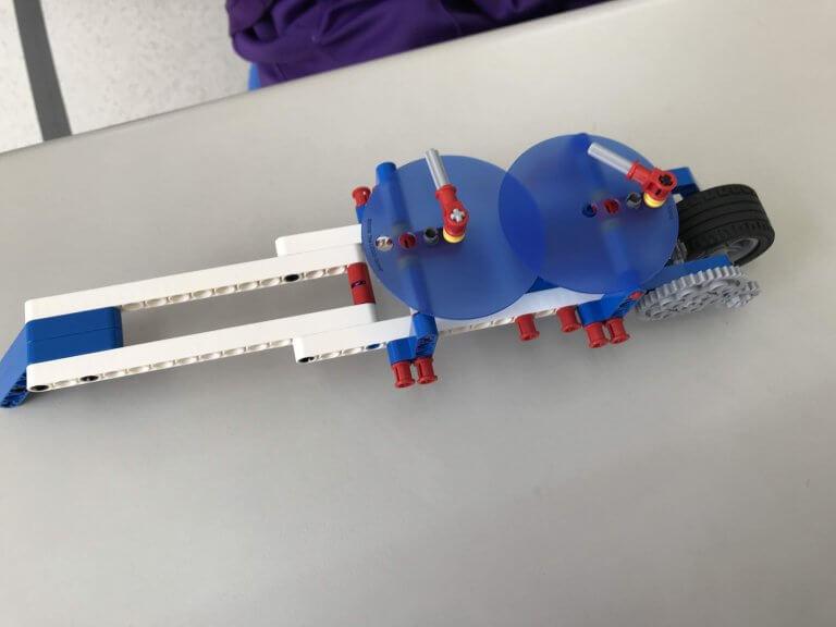 05腳輪-了解腳輪可應用於不規則形狀的測量且為何使用雙輪盤