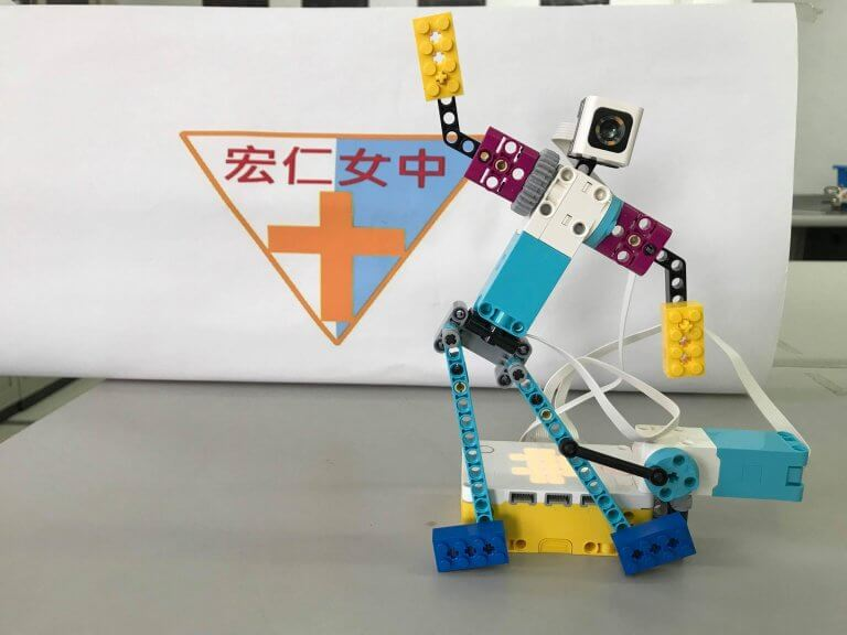 樂高Spike跳舞機器人